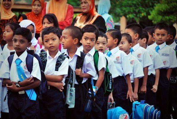 Cuti sekolah tambahan selama 3 hari sempena Deepavali tahun ini   Kementerian Pendidikan Malaysia melalui surat siarannya bilangan 19 Tahun 2015 menyelaraskan bahawa cuti perayaan Deepavali bagi sesi persekolahan tahun 2016 diberi cuti sekolah tambahan selama tiga hari.  Menurut kenyataan daripada laman sesawang Kementerian Pendidikan Malaysia tarikh cuti perayaan itu sudah diselaraskan bagi sesi persekolahan tahun 2016 yang membabitkan perayaan Tahun Baru Cina Hari Raya Aidilfitri dan…
