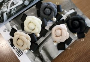 Republic of Korea reigning Women's Clothing Store [CANMART] Camellia hairpin / Size : FREE / Price : 13.49 USD #korea #fashion #style #fashionshop #apperal #koreashop #missy #canmart #acc #hairacc #haripin #dailyitem