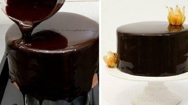 Когда пеку торт, покрываю его зеркальной глазурью по этому рецепту! Блеск… Готовила эту глазурь впервые и очень волновалась: так хотелось, чтобы получилось… В зеркальном глазурированном покрытии можно увидеть свое отражение — такой десерт всегда будет вызывать восторг за праздничным столом! Этот рецепт оправдал мои надежды, покрытие для торта вышло на редкость удачным. Искристая, блестящая поверхность без единого недостатка… К тому же это непередаваемо вкусно. Глазурь от известного кондитера…