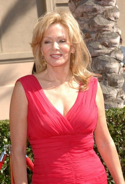 Jean Smart Actress Jean Smart arrives at the 2007 Creative Arts Emmy ...