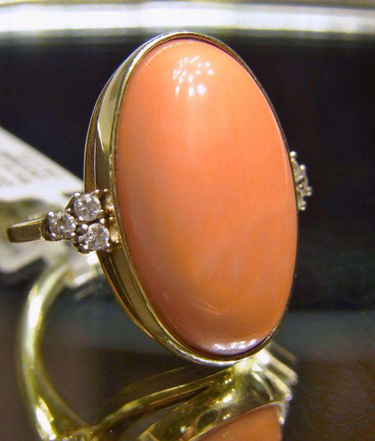 """""""Edle Koralle"""" - Damenring aus 585 Gold mit Koralle - Brillanten 0,12 ct Qualität TW-P1 - Ringweite 55 - Koralle mit Fassung ca. 25,05 mm * 15,21 mm"""
