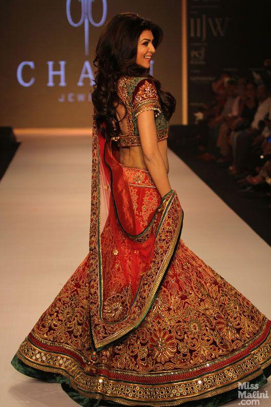 Sushmita Sen at India International Jewellery Week 2013 held at The Grand Hyatt Mumbai wearing a Tarun Tahiliani lehenga.