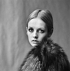 Twiggy photographed by Lord Snowdon (Antony Armstrong-Jones).