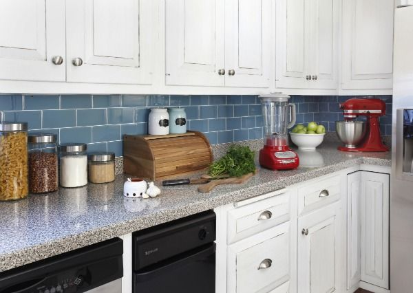 How to install a removable kitchen backsplash.