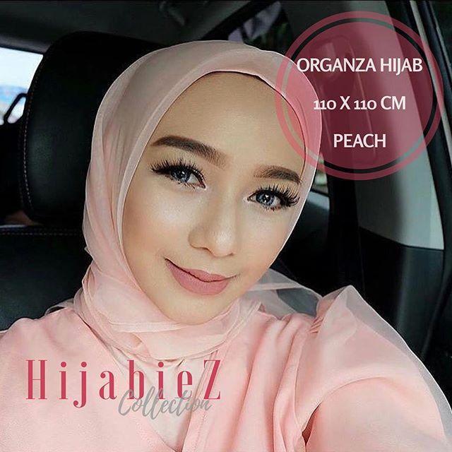 Organza Hijab.. Warna : Peach Price : Rp. 75.000 Material : Organza Silk HQ Size : 110x110 (sewing edge / jahit tepi) Premium and Elegant for party and special ocassional wearing. Order Line : @opa6012s Whatsapp : +628111952727 Shipping from Jakarta (CGK) . . #hijabmurah #hijabmurahbandung #hijabmurahjakarta #jilbabmurah #jilbabmurahbandung #jilbabmurahjakarta #jilbaber #jilbabers #hijabshabbymurah #hijabshabbychic #segiempatkatun #squaremotif . . #organzahijab #organzasquare #organzamurah…