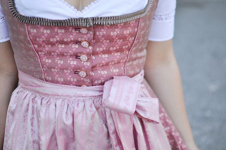 #Wiesn-Outfit: Dirndl von Julia #Trentini - #amazedmag