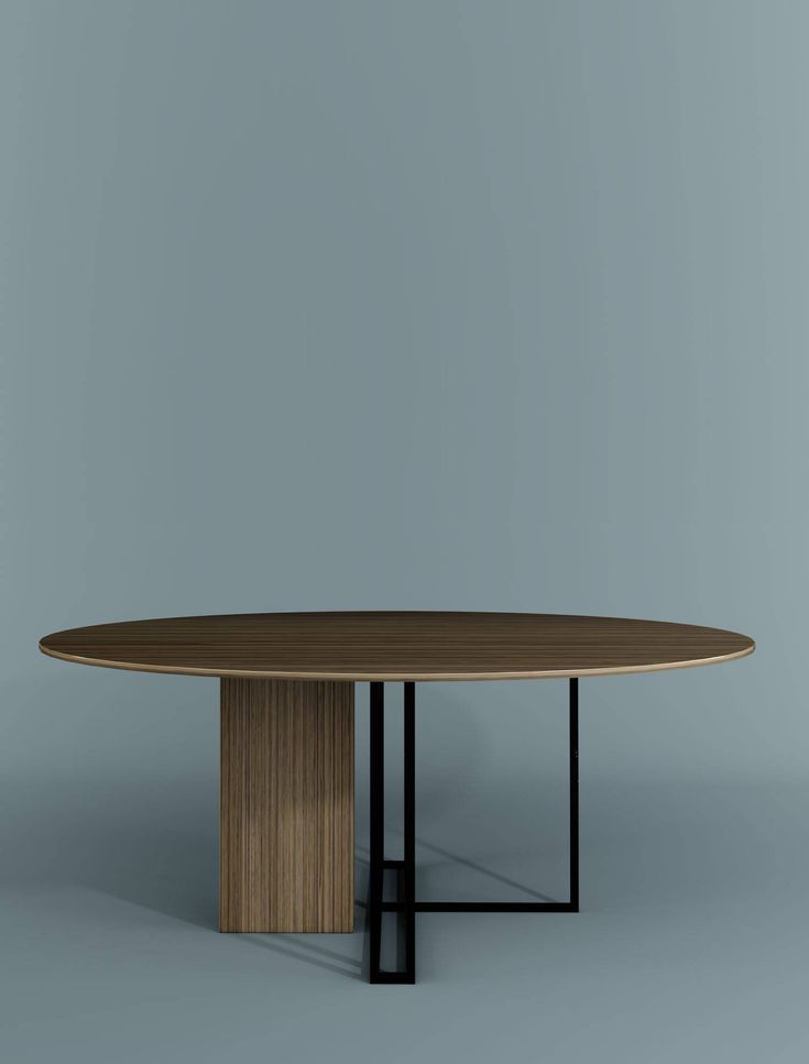 Round dining table Plinto Collection by Meridiani | design Andrea Parisio