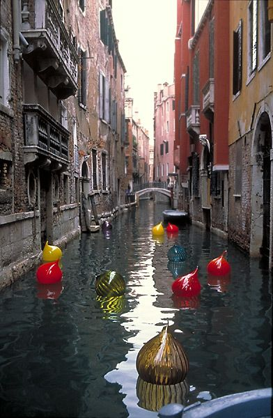 Chihuly Glass bobbers in Venice... will have to check this out. This same artist has his work hanging in the Lorry Lokey building at Stanford University!