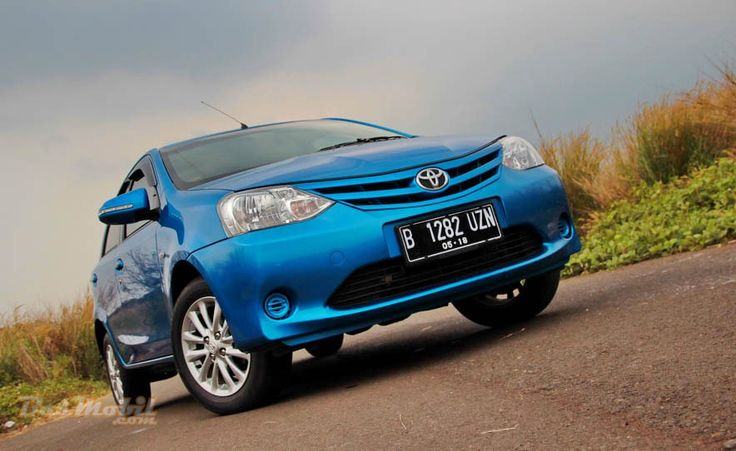 Toyota Etios Valco - Si Minimalis Yang Fun To Drive #BosMobil #review
