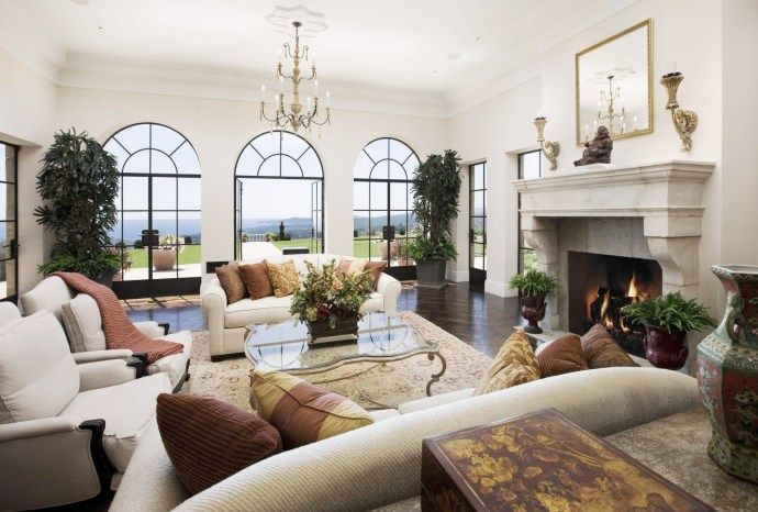 House tour a stunning Santa Barbara million dollar listing. 815 Cima del Mundo Road is a Montecito mansion with panoramic ocean views. Luxury real estate.