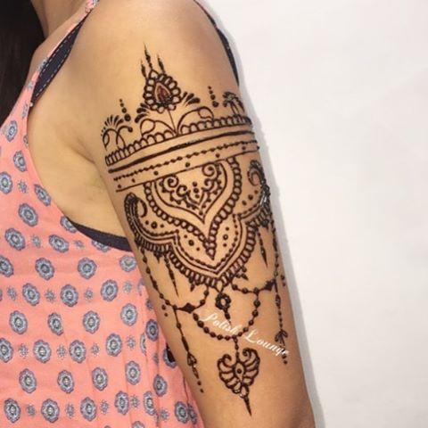 dollhousedubai: What do you guys think of this arm henna? @polishbeautylounge #dollhousedubai
