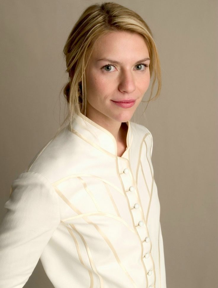 Claire Danes - Yup, that kid from 'My So Called Life' and now playing our favourite bunny boiler in 'Homeland'.  No matter how old she gets it's never gonna' seem appropriate to think of her in that way. Fall in love with her in 'Shop Girl'.