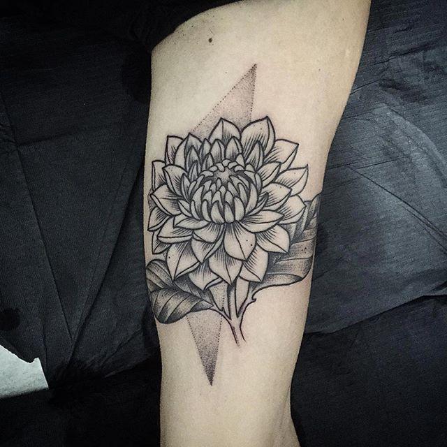 #tattooartist @misssita ・・・ for lovely Marta. #dalia #botanicaltattoo #engravingtattoo #misssita #misssitatattoo #oneoninetattoo #geometry #dotwork #btattooing #linework #blackworkers_tattoo #dotworktattoo #darkartists #blacktattooart #blxckink #blacktattoomag #onlyblackart #blackwork #Tattooful