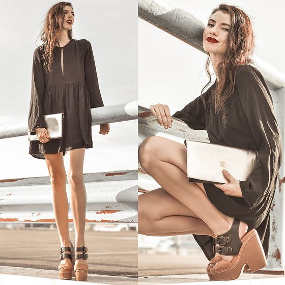 The gorgeous Elle-May Leckenby with our newest clutch on Lookbook ❤️