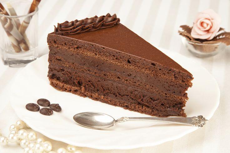 Un exquisito pastel helado de café, disfruta de este delicioso postre en compañía de tus seres queridos.