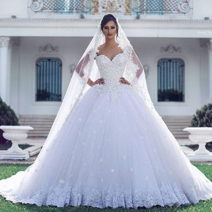 ELİTE BRAUTMODE-KLEINE KÖNIGSTR.11 #stuttgart #esslingen#müchen#göppingen#waiblingen #schorndorf #geislingen #ulm #konstanz #ravensburg #zürich#gelinlik #basel #mannheim #kleid #abendkleid #brautkleid #dress #wedding #bride #bridal#abiye#nisanlik#kaftan#follow #followme #insta #Makeup#girl #0711stgtcty http://gelinshop.com/ipost/1498936573335695980/?code=BTNSt8qg_Js