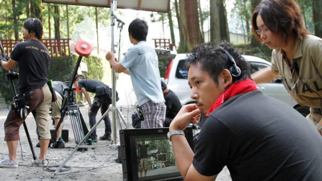 インディペンデント映画史上、類をみないスピリットと手法で人々の共感を獲得し、日本の青春映画の金字塔となった群像シリーズ最新作『SR3 サイタマノラッパー ロードサイドの逃亡者』がいよいよ先週末、渋谷シネクイントにて先行公開された。