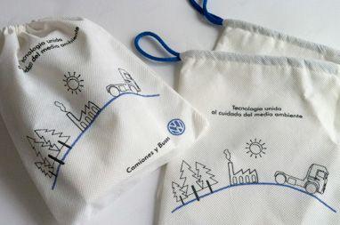 """Diseño Sustentable para """"Think Blue"""">> Bolsas ecológicas"""