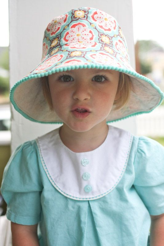 Kids Reversible Bucket Hat with Pom Poms - links to tutorial - so cute!