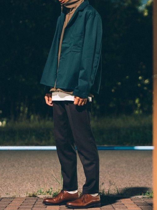ワイドワークシャツ(グリーン)×トラックジャケット(カーキ)×ウールスラックス(オリーブ) 緑の同系