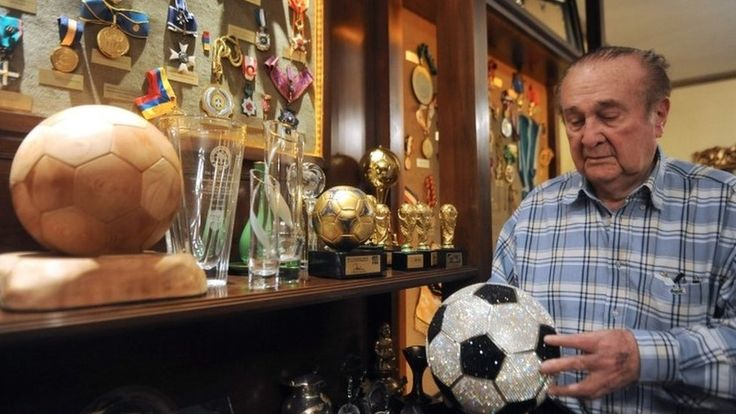 Nicolas Leoz: Conmebol ex-chief to be extradited from Paraguay https://tmbw.news/nicolas-leoz-conmebol-ex-chief-to-be-extradited-from-paraguay  A judge in Paraguay has authorised the extradition to the US of Nicolás Leoz, the former president of Conmebol, South America's football confederation.Mr Leoz is one of the main suspects in a huge bribery and money-laundering scandal being investigated by the US Justice Department.The former Fifa executive has been under house arrest in the…