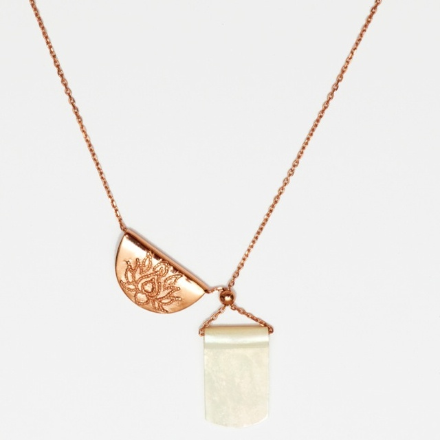 'By Charlotte' Lotus necklace with mother of pearl