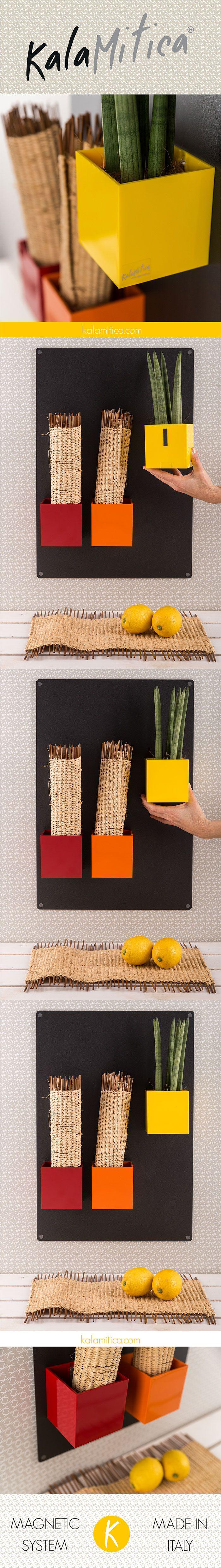KALAMITICA IS...ACID YELLOW LEMON Soluzione ideale per liberare il piano di lavoro utilizzando le pareti. Combinazione di tre cubi (dim. 9 cm) dai toni rossi con lavagna 56x38 cm color antracite. Per saperne di più: kalamitica.com