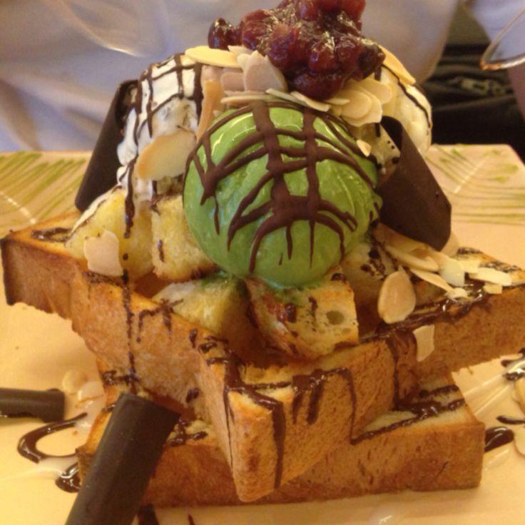 Roti Panggang with Ice Cream @roppan