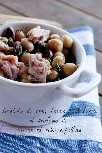 Insalata di ceci, tonno e pistacchi al profumo di limone ed erba cipollina