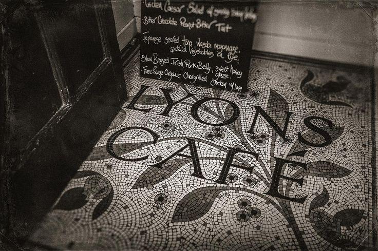 LYONS CAFÉ and Bakeshop, Sligo town centre