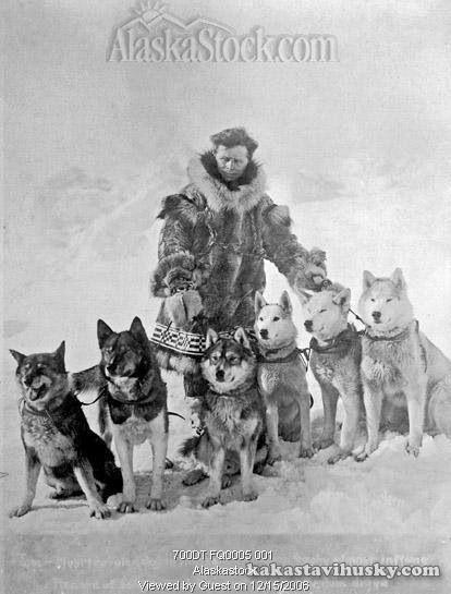 Leohard Seppella and team of Alaskan Huskies.