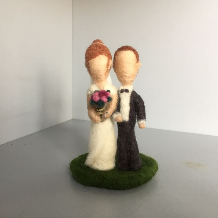 Wedding gift, needle felt, bride, groom Follow on instagram @catchafelt