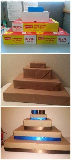 Cupcake Stand out of box tops * puedes envolver las caja del color q prefieran. Parece bastante fácil.