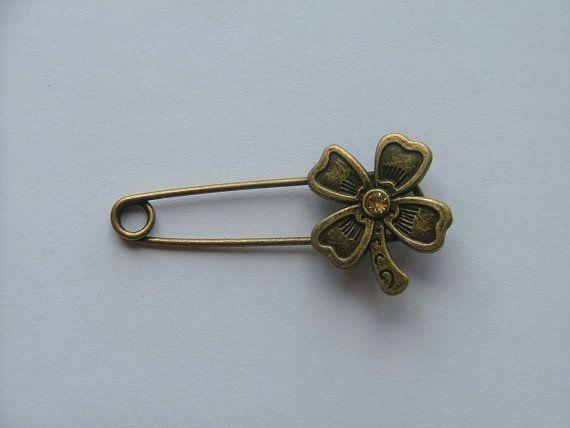 Four leaf clover  shawl / kilt pin by TheIrishKnittingRoom on Etsy