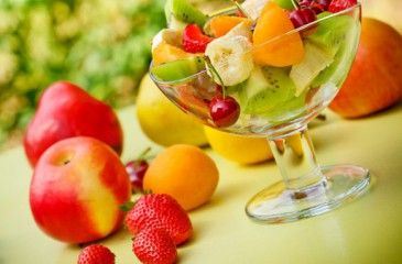 Фруктовый салат - рецепт с фото. Как сделать полезные салаты из свежих и запеченных фруктов