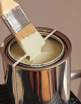 tips for painting - Wrap a rubber band around your paint can to stop drips and to prevent paint from drying in the lid!