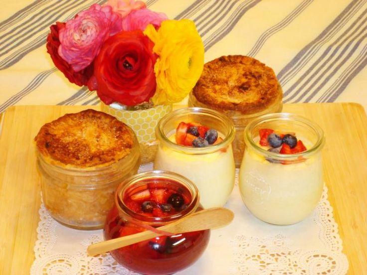 Mini jablečné koláče, želatina a pečený cheesecake – všechno vyrobeno v použitých sklenicích na zavařování. (The Epoch Times)