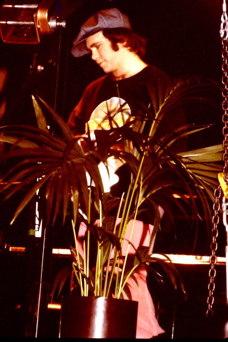 February 15, 1979. Elton at the Rosengarten , Mannheim.