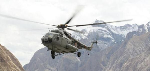 Seven Indian military personnel died Friday when their helicopter crashed near the country's border with China, the New Delhi's defense…