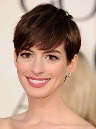 Bildresultat för korta frisyrer tjockt hår runt ansikte