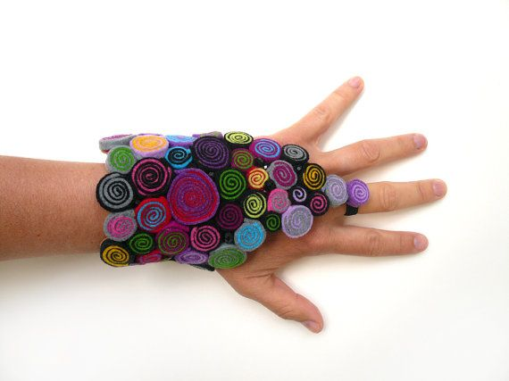 Fingerless glove/Steampunk glove/Felt glove/Bracelet glove/Wrap bracelet/Felt bracelet/Bracelet cuff/Felt jewelry/Gifts for her  ► BEFORE PURCHASING