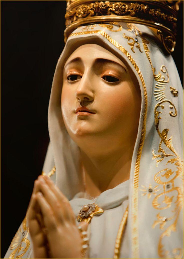 ファティマの聖母マリア                                                                                                                                                                                 もっと見る