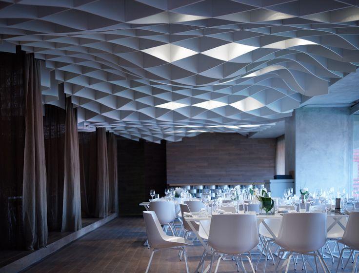 V'ammos Restaurant / LM Architects ceiling