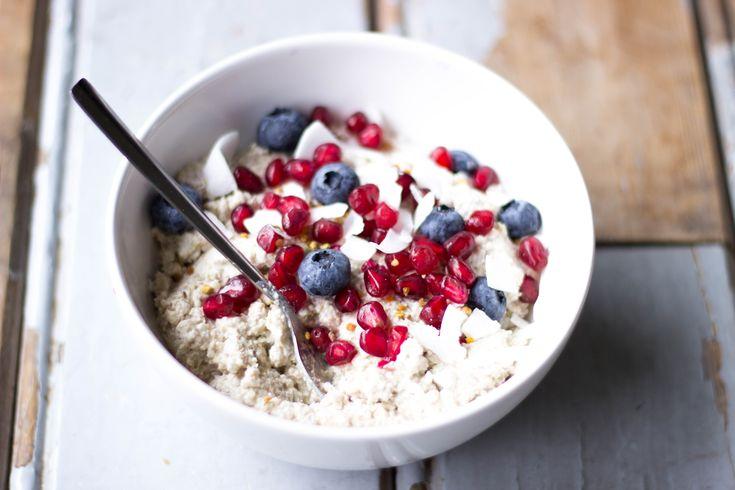 Bekijk hier Sanne's recept voor vegan en glutenvrije boekweitpap met noten en peren.