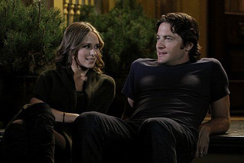 Jennifer Love Hewitt and David Conrad in Ghost Whisperer (2005)