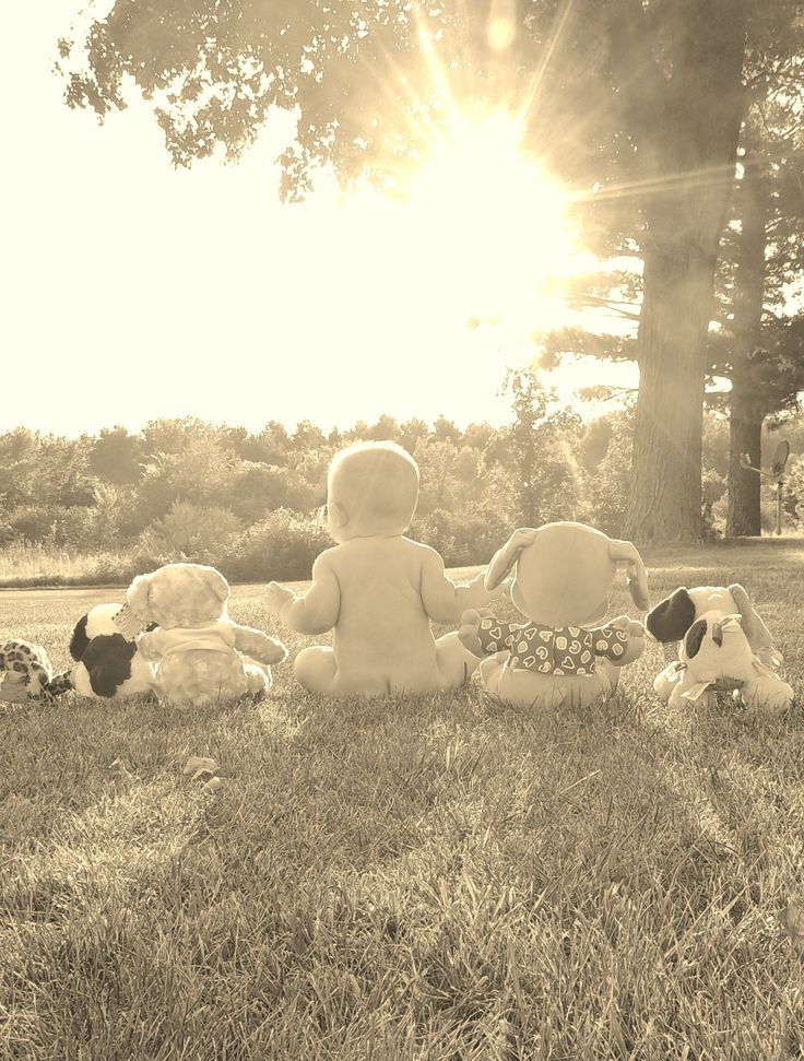 6 month baby photo ideas I like this being outside