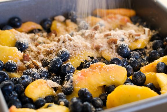love the combo of blueberries and peaches. Thus: blueberry peach crisp ...