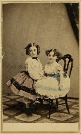 Carte de visite of Mary & Alice DeLuze, ca. 1860.  Kent State University Libraries, Special Collections and Archives, Silverman/Rodgers papers.