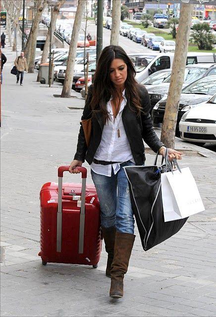 sara carbonero: Celebrity Style, Sara Collier, Style, Boots Whit Shirts, Street Style, Mon Style, Carbonero Style, De Sara