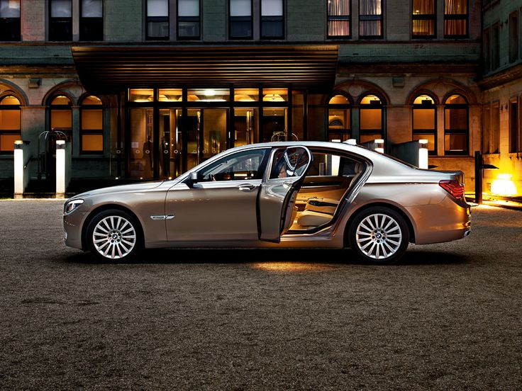BMW 7 Series Sedan : Wallpaper